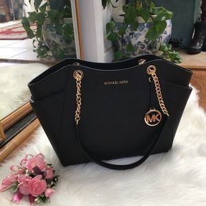 New with tags Michale Kors chain tote bag